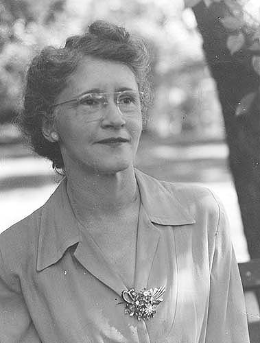 Powhatan Co., VA, Mrs. E. Floyd Yates, President, Fed. of HDC, elected October 1945